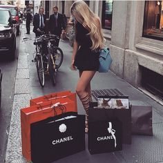 Chanel. Luxury shopp