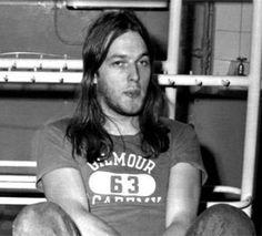 David Gilmour backstage at Brighton, 1972 David Gilmour Pink Floyd, Pink Floyd Art, Grunge Guys, Good Daddy, Best Guitarist, Stevie Ray Vaughan, Keith Richards, Def Leppard, Stevie Nicks