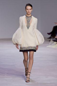 Giambattista Valli Spring 2016 Couture | WWD