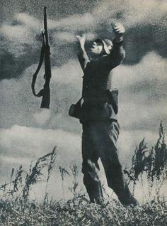 """""""Bir Alman Askerinin Vurulma Anı,Ukrayna,1942..."""""""