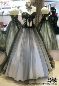 I could easily modify a corset I already own, and sew a big ballgown with it. <3