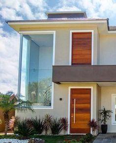 100 fachadas de casas modernas e incríveis para inspirar seu projeto Minimalist House Design, Minimalist Home, Facade Design, Door Design, Pre Built Homes, Town Country Haus, House Front Design, Indian Homes, Loft House