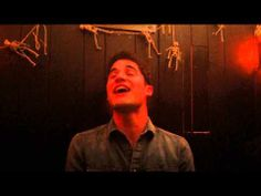 Darren Criss - Teenage Dream (playing live at Marie's Crisis)