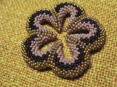 5 petal peyote flower (pattern on website)