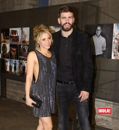 La historia de cómo Gerard Piqué ayudó a Shakira a recuperar la inspiración Shakira Baby, Shakira Style, Shakira And Gerard Pique, Shakira Mebarak, Jennifer Aniston Style, Curls For Long Hair, Famous Singers, Curled Hairstyles, Shakira Hairstyles