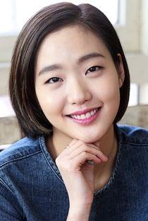 Kim Go Eun - Poster / Capa / Cartaz - Oficial 1 Female Actresses, Korean Actresses, Nursery Rhymes Songs, Kim Go Eun, Fashion History, Kdrama, Culture, Actors, Busan