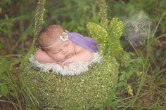 On Location: Newborn Sessions Workflow Tutorial with Kerrie Forrester