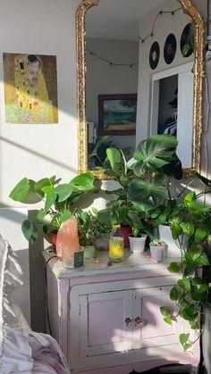 Cute Room Ideas, Cute Room Decor, Room Ideas Bedroom, Bedroom Decor, Bedroom Inspo, Bedroom Plants, Room With Plants, Indie Room, Pretty Room