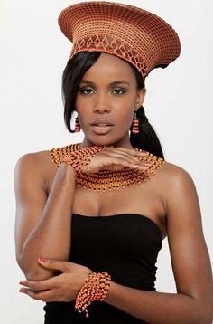 Miss Angola 2012 Edmilza dos Santos African Men, African Attire, African American Women, African Beauty, African Wedding Dress, African Print Dresses, African Dress, African Accessories, African Jewelry