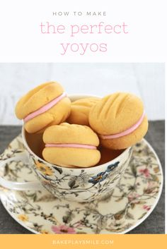 """""""Yo-Yo biscuits will melt in your mouth. They are the most deliciously, crumbly and soft biscuits ever. They're just the thing you need for a perfect afternoon tea!"""" - calls for """"custard powder"""" - what is that! Lunch Box Recipes, My Recipes, Sweet Recipes, Cookie Recipes, Dessert Recipes, Favorite Recipes, Recipies, Custard Cookies, Biscuit Cookies"""