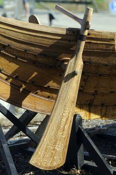 The Gokstad Boat rudder - Vikingeskibsmuseet Roskilde Boat Rudder, Viking Longship, Viking House, Wooden Boat Building, Phoenix Homes, Cabin Cruiser, Build Your Own Boat, Viking Ship, Norse Vikings