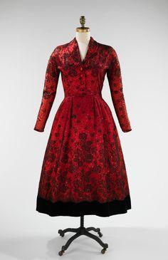 Cristobal Balenciaga. 1948. The Costume Institute. Brooklyn Museum Costume Collection. Metropolitan Museum of Art.