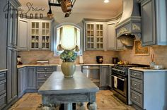 Chalk Paint Kitchen Cabinets With Brocante Home Collection's Paintbrush And Pearls Painting Kitchen Picture Annie Sloan Chalk Paint Kitchen Cabinets, Painting Kitchen Cabinets, Kitchen Paint, Kitchen Redo, New Kitchen, Kitchen Remodel, Kitchen Storage, French Kitchen, Bathroom Cabinets