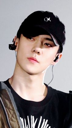 Sehun can just look at me, and I'll die instantly. Chanyeol, Kyungsoo, Hunhan, Kai, Exo Album, Exo Concert, Kim Junmyeon, Latest Albums, Exo Members