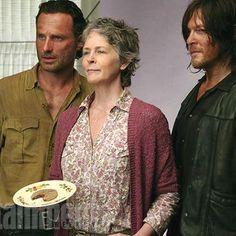 Buzzing: Behind the Scenes of EW's 'Walking Dead' Photo Shoot