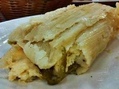 These are the best tamales ever! It's made with queso fresco (fresh Mexican cheese) and Poblano peppers. but if you like it more spicy use jalapeños. (Can't wait 'til Christmas! Tamales Gourmet, Queso Recipe, Vegetarian Tamales, Tamales Y Atole, Corn Tamales, Mexican Tamales, Mexican Salsa, Mexican Dishes, Mexican Food Recipes