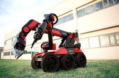 aunav.NEXT。マドリードに拠点を構えるProytecsa Securityによって発表された爆発物処理などに対応するロボット。他にも対テロや生物/化学兵器などの脅威にも対処できる設計とのこと。ショットガンなどを搭載できる。