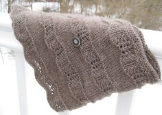 Ravelry: Christmas cowl (English and Italian) pattern by Jennifer Little