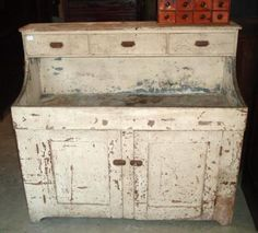 Adding an antique dry sink to your home is a quick way to give it a vintage look. Whether you love primitives or Victorian design, a dry sink will fit right in. Distressed Wood Furniture, Primitive Furniture, Country Furniture, Vintage Furniture, Distressed Cabinets, Stripping Furniture, Paint Furniture, Furniture Ideas, Inexpensive Furniture