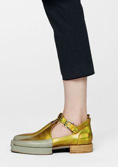 Sapatos, releitura do masculino para o feminino, sabia que iria chegar a vez…