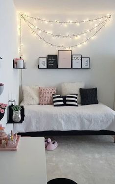 Modern and Small Bedroom Interior Design Ideas ! Part bedroom ideas; bedroom ideas for small room; Cute Bedroom Ideas, Cute Room Decor, Room Ideas Bedroom, Teen Room Decor, Small Room Bedroom, Grown Up Bedroom, Master Bedroom, Fall Bedroom Decor, Small Bedroom Interior