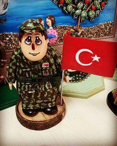 #elyapimi #handpainted #handmade #tasarım #art #sanat #asker #vatan #turkbayragi #vatansağolsun #tasbebek #hediyelik #kisiyeozel #creative #tasboyama #tasboyamasanati #rockpainting #pebbleart #elemeginedestek #elemegi