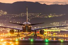 photographed by Takahiro Bessho / Japan Cool Photos, My Photos, Amazing Pics, Air Travel, Fine Art Photography, Amazing Photography, Scenery, Aircraft, In This Moment