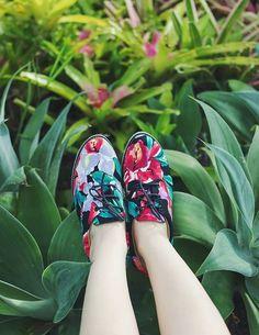 Sapatos feitos com tecidos de roupas vintage!  > Vem ver: http://insecta.shoes/besouros_vintage #hotshoes #forsale #ilike #shoeslover #like4lik #shoes #niceshoes #sportshoes #hotshoes