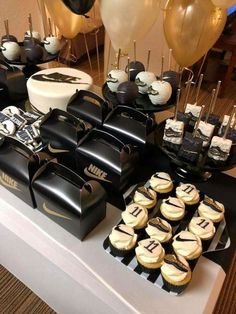 Brinna Marie's Birthday / Nike - Photo Gallery at Catch My Party 15th Birthday Party Ideas, Boy 16th Birthday, Birthday Gifts For Teens, Sweet 16 Birthday, Birthday Party Decorations, 18th Birthday Ideas For Boys, Gold Party Decorations, Birthday Cake, Basketball Birthday Parties