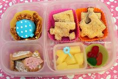 Easy Lunch Boxes, Box Lunches, Lunch Snacks, School Lunches, Sandwich Cutters, Kids Lunch For School, Toddler Lunches, Whats For Lunch, Lunchbox Ideas