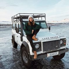❄️@defendergirls #landrover #landroverdefender #love #girl #girls #defender #summerlove #defenderlove #adventurethatislife #adventures #temptation #woman #look #pretty #beautiful #surf #beach #bbq #beauty #fashion#style #fashionstyle #fun #sun...