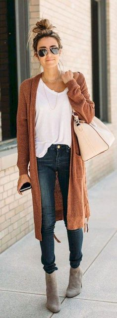 View our straightforward, comfortable & basically lovely Casual Fall Outfit ideas. Get influenced with these weekend-readycasual looks by pinning one of your favorite looks. casual fall outfits for women over 40 Casual Fall Outfits, Fall Winter Outfits, Autumn Winter Fashion, Autumn Casual, Winter Style, Long Cardigan Outfits, Casual Shoes, Cardigan Sweater Outfit, Spring Style