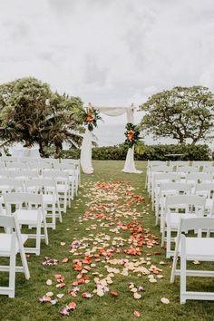 hawaiian wedding flower wedding flowers - Page 51 of 101 - Wedding Flowers & Bouquet Ideas Hawaiian Wedding Flowers, Beach Flowers, Flower Petals, Floral Wedding, Beach Wedding Reception, Hawaii Wedding, Destination Wedding, Arch Wedding, Sunset Wedding