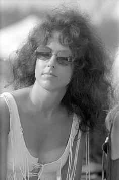 grace slick at woodstock - 1969 cool lady Taking Woodstock, 1969 Woodstock, Woodstock Festival, Woodstock Hippies, Woodstock Music, Woodstock Photos, Grace Slick, Soundtrack, Beatles