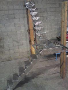 Squelette escalier acier brossé avec quart tournant palier pour dalle de verre , et marches en bois