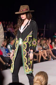Una de nuestras diseñadoras favoritas en el #BoliviaModa2015 @narcisainc