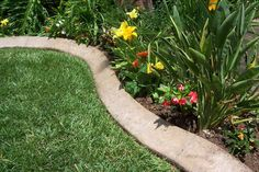 How To: Make Concrete Garden Edging Looking for an inexpensive, lasting way to set apart your planting beds? Use these steps to make concret… How To: Make Concrete Garden Diy Garden, Lawn And Garden, Garden Beds, Garden Projects, Garden Path, Concrete Garden Edging, Yard Edging, Diy Concrete, Cement Garden