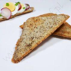 Tym razem coś dla tych, którzy nie potrafią żyć bez pieczywa ;) Jako, że już jakiś czas temu zrezygnowałam z obróbki termicznej orzechów, to i nie robię też tostów z mąki migdałowej. W zamian za to powstał równie łatwy i szybki w przygotowaniu, aromatyczny i przepyszny chlebek tostowy na bazie mąki Chlebek tostowy kokosowy #śniadanie #glutenfree