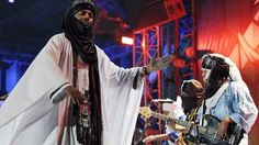 Tinariwen auf der Bühne | Bildquelle: picture-alliance