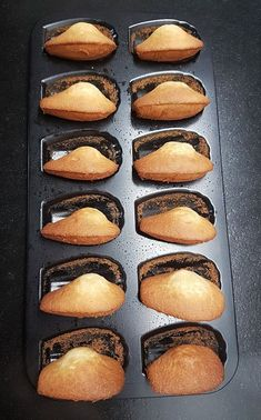 Madeleines Vanille, Recette au Thermomix - Thermovivie Thermomix Desserts, Griddle Pan, Macarons, Hot Dog Buns, Biscuits, Vanilla, Deserts, Food And Drink, Bread