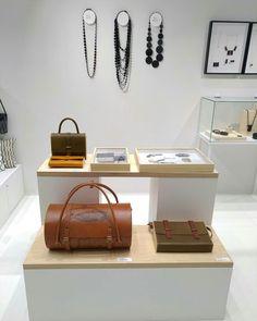 Sac à main / sac de voyage / sacoche en bois et cuir , cousue à la main, Damien Béal www.damienbeal.fr Maison et objet
