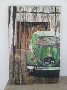 Kever op hout geschilderd