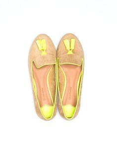 Zapato plano detalle flúor ❤