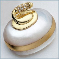 Curling stone pendant from pearl!