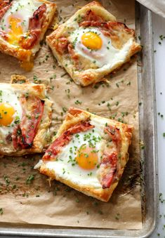 Puff Pastry Croque Madame is the simple Christmas morning breakfast that you've been searching for. Salty, savory and oh so delicious. Brunch Recipes, Breakfast Recipes, Dinner Recipes, Burger Recipes, Breakfast Puff Pastry, Puff Pastry Quiche, Puff Pastry Recipes Savory, Pastries Recipes, Recipes Using Puff Pastry