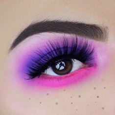 21 Purple eyeshadow looks for brown eyes - Make-up Ideen - Eye Makeup Purple Eyeshadow Looks, Purple Eye Makeup, Makeup Eye Looks, Colorful Eye Makeup, Eye Makeup Tips, Makeup For Brown Eyes, Cute Makeup, Colorful Eyeshadow, Makeup Goals