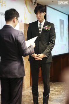 "Lee Min Ho received the ""Sharing Happiness"" Award in Sejong Hotel, Seoul, Korea, 20160621."
