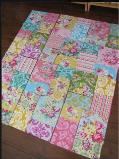 Fabrics from Jennifer Paganelli  Large bold floral quilts are my fav!!!