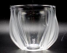 """Lalique Crystal """"Tulip"""" Vase : Lot 0211"""