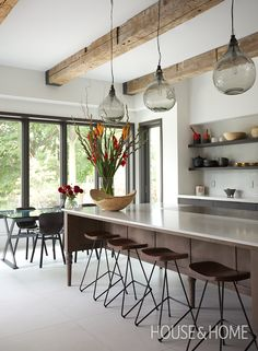 A Warm And Inviting Kitchen With Smart Storage   Design: Nora Voon of Noda Designs Photo: Jason Stickley